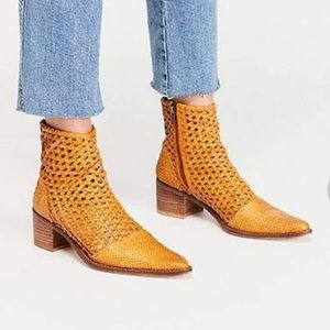 NWT, NIB FREE PEOPLE IN THE LOOP WOVEN BOOTS
